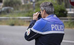 Le quadragénaire a été contrôlé par les motards de la police nationale. Illustration.