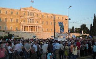 Des manifestants devant le Parlement grec, le 21 juin 2011, à Athènes.