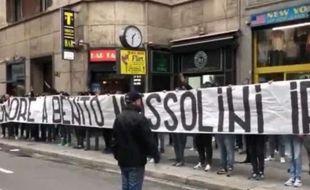 Une trentaine d'ultras de la Lazio ont rendu hommage à... Benito Mussolini.