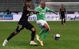 Ludovic Blas s'est démené face à Wahbi Khazri et aux Verts, mercredi pour son retour dans une position axiale. JEAN-PHILIPPE KSIAZEK