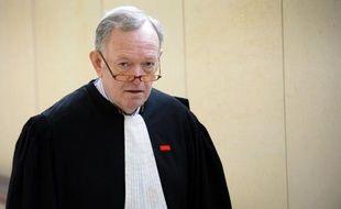 Le célèbre avocat pénaliste Me Olivier Metzner a été retrouvé mort dimanche matin près de son île privée du golfe du Morbihan, laissant la profession sous le choc après cette disparition brutale pour laquelle la thèse du suicide est privilégiée.