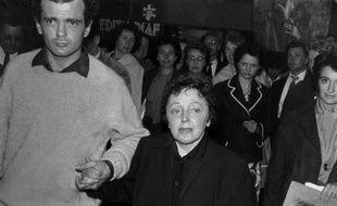 """Des souvenirs d'Edith Piaf datant d'une cinquantaine d'années ont été volés jeudi, lors d'un cambriolage au domicile parisien du chanteur-compositeur Charles Dumont, auteur entre autres de la célèbre chanson """"Non, je ne regrette rien""""."""