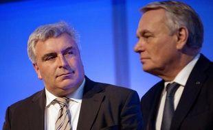 Le ministre des Transports Frederic Cuvillier et le Premier ministre Jean-Marc Ayrault le 28 février 2014 à Nantes