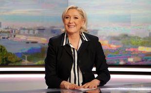 Marine Le Pen, la candidate frontiste était au JT de 20 heures de TF1, le 2 mai 2017.