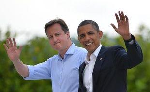 """Le Premier ministre britannique David Cameron et le président américain Barack Obama, qui se sont entretenus mardi au téléphone sur la Syrie, """"n'ont aucun doute sur la responsabilité du régime d'Assad"""" dans l'""""attaque chimique"""" du 21 août."""