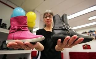 Des chaussures de la marque Noël présentées dans une boutique rennaise.