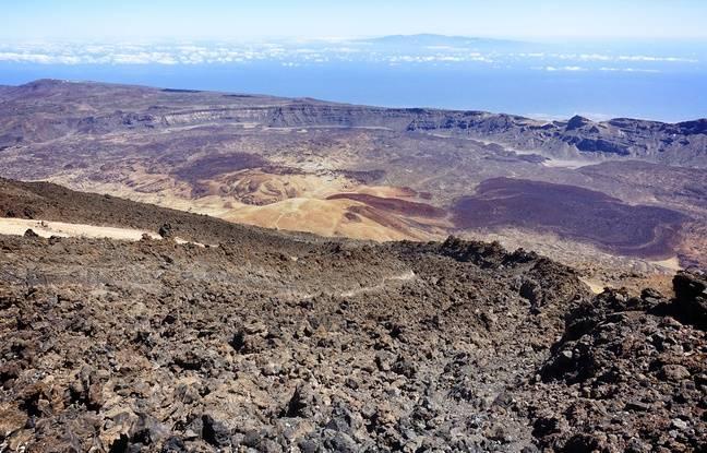 Le pic du Teide accessible en téléphérique offre une vue plongeante sur la caldeira du volcan.