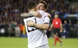 Lionel Messi félicite Ander Herrera après son but lors de Bruges-PSG en Ligue des champions, le 15 septembre 2021.