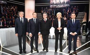 Francois Fillon, Emmanuel Macron, Jean Luc Melenchon, Marine Le Pen et Benoit Hamon durant le premier débat présidentiel, le 20 mars 2017, à Paris.