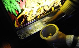 Le casino d'Enghien propose des machines à sous dont les mises commençent à 2 centimes d'euro.