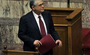 """La Grèce s'est engagée par écrit auprès de ses créanciers, l'UE et le FMI, à prendre """"toute mesure nécessaire"""" pour appliquer le plan européen de redressement de son économie, ont indiqué mercredi soir les services du Premier ministre Lucas Papademos."""