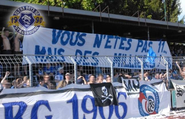 Lors du match pour la montée en National à Raon, les supporters du Racing avaient affiché «Vous n'êtes pas onze mais des milliers», slogan repris pour créer le nouvel hymne du club strasbourgeois.