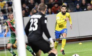 Le Suédois Jimmy Durmaz face à la Bulgarie, lors d'un match éliminatoire de la Coupe du monde 2018, le 10 octobre 2016 à Solna.