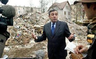 Le procès de Gaz de France, poursuivi pour homicides et blessures involontaires après la mort de 19 personnes soufflées par une explosion due à un fuite de gaz, fin 2004 à Mulhouse, s'est ouvert lundi.
