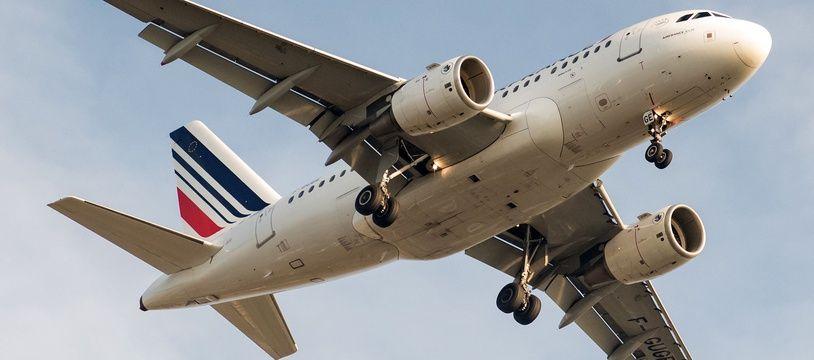 Illustration d'un avion Air France à l'aéroport de Roissy.