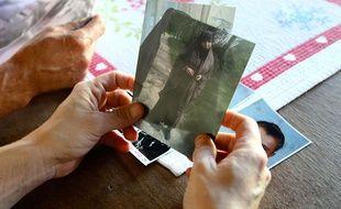 En octobre 2014, Severine Ali Mehenni, habitante de Lézignan, montre une photo de sa fille partie rejoindre le djihad en Syrie.