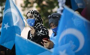 Des femmes ouïghoures manifestent à Berlin le 1er septembre 2020 (illustration).