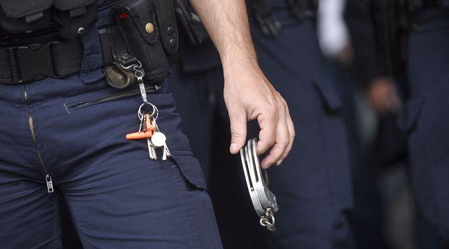 Mantes-la-Jolie : Un cinquième policier mis en examen après qu'un homme a eu les mains brûlées dans un fourgon