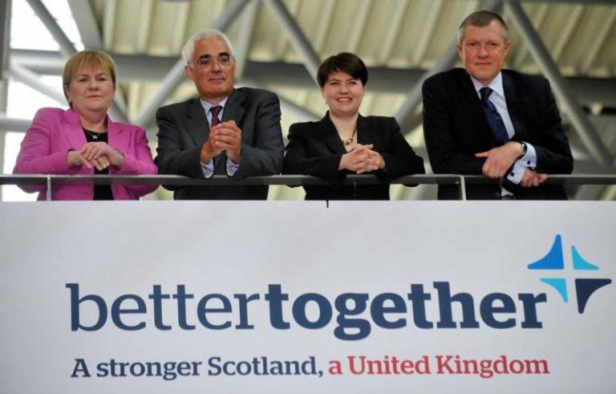 """Les principaux partis politiques britanniques ont lancé leur campagne en faveur du maintien de l'Ecosse au sein du Royaume-Uni lundi à Edimbourg, en réponse à celle lancée il y a un mois par les partisans du """"oui"""" à un référendum d'indépendance prévu en 2014. – Andy Buchanan afp.com"""