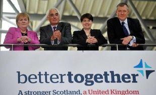 """Les principaux partis politiques britanniques ont lancé leur campagne en faveur du maintien de l'Ecosse au sein du Royaume-Uni lundi à Edimbourg, en réponse à celle lancée il y a un mois par les partisans du """"oui"""" à un référendum d'indépendance prévu en 2014."""