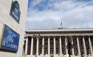 La Bourse de Paris a ouvert en hausse jeudi, rebondissant au lendemain d'un fort repli aiguisé par les craintes d'un retour de la zone euro en récession, dans un marché qui s'annonce calme à la veille du long week-end pascal.