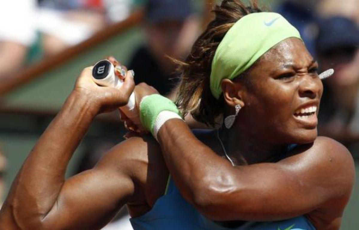 Serena Williams lors du premier tour de Roland-Garros, le 24 mai 2010. – AFP Photo