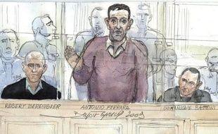 Deux hommes de l'entourrage d'Antonio Ferrara, Dominique Battini et Alexandre Vittini, ont été condamnés vendredi soir en appel par les assises de Paris à 15 et 18 ans de réclusion criminelle pour l'attaque d'un fourgon blindé de la Brink's en mai 2002 en Seine-et-Marne.