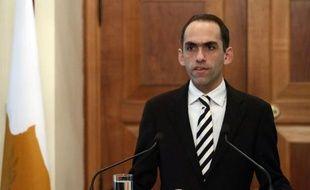 """Le ministre chypriote des Finances Haris Georgiades a déclaré lundi que quitter la zone euro ramènerait le pays """"des siècles"""" en arrière et qu'il n'y avait pas d'alternative au plan de sauvetage international, malgré ses conditions draconiennes."""