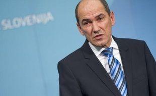 Le Premier ministre slovène Janez Jansa a évoqué une possible démission de la tête de son parti de centre-droit, voire de son poste de chef de gouvernement, après avoir été, selon lui injustement, mis en cause mardi par la Commission de lutte contre la corruption.