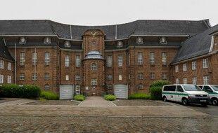 Le suspect est détenu à la prison de Kiel, en Allemagne.