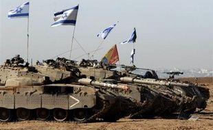 Un soldat israélien a été tué mardi par une explosion près de la bande de Gaza où des tirs israéliens ont coûté la vie à un Palestinien, ont rapporté des médias arabes et des sources médicales palestiniennes.