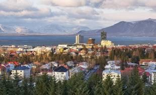 Les autorités islandaises se préparaient mercredi  3 mars 2021 à une possible petite éruption à une trentaine de kilomètres de Reykjavik (Illustration)