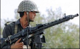 Au moins 35 soldats pakistanais ont été tués mercredi lors d'une attaque suicide contre un centre de recrutement de l'armée du nord-ouest du pays, une semaine après un raid militaire contre une école coranique voisine qui avait fait quelque 80 morts.