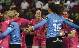 Ana Gros et les joueuses de Brest auraient pu contracter le Covid-19 après une fête organisée à leur retour de Budapest, où elles s'étaient inclinées en finale de Ligue des champions.