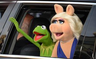 Kermit la grenouille et Peggy la cochonne.