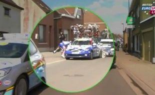 Sébastien Chavanel a été percuté par sa propre voiture lors du Tour des Flandres, le 5 avril 2015.