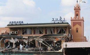 Le café Argana, à Marrakech (Maroc), éventré par l'explosion d'une bombe, le 27 avril 2011.