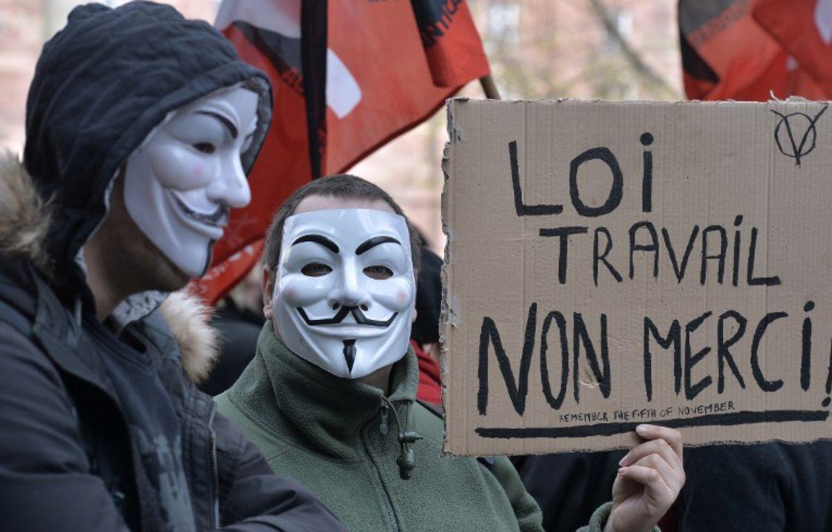 Des opposants à la Loi Travail manifestent à Strasbourg le 9 mars 2016  – PATRICK HERTZOG / AFP