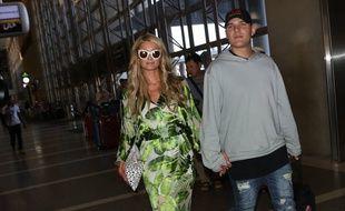 La star de la téléréalité Paris Hilton et son fiancé, l'acteur Chris Zylka