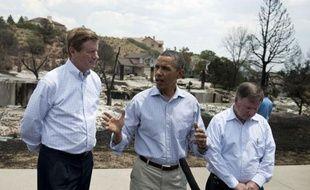 Le président américain Barack Obama s'est rendu vendredi à Colorado Springs (ouest des Etats-Unis), pour encourager les pompiers et constater les dégâts provoqués par le gigantesque incendie qui a fait un mort, détruit près de 350 maisons et entraîné 36.000 évacuations.