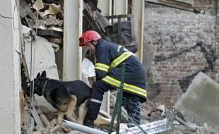 La maison de deux étages s'est effondrée à Fives, un quartier de Lille.