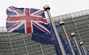 Le drapeau britannique devant le siège de la Commission européenne  à Bruxelles.