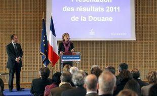 Les 17.400 douaniers français ont effectué en 2011 des chiffres record de saisies : celles de cocaïne sont passées de 5,1 tonnes en 2010 à 8,3 tonnes en 2011 (+63%) et celles de contrefaçons se sont élevées à 8,9 millions d'articles (+42%).