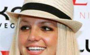 La chanteuse Britney Spears a témoigné jeudi devant un juge des affaires familiales de Los Angeles, une première dans la bataille judiciaire qui l'oppose depuis août à son ex-mari, et le magistrat lui a accordé une nuit par semaine avec ses fils, a annoncé le porte-parole du tribunal.