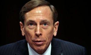 L'ancien chef de la CIA, David Petraeus, a expliqué aux élus du Congrès qu'il avait rapidement su que des proches d'Al-Qaïda étaient impliqués dans l'attaque du consulat de Benghazi en Libye, lors de sa première sortie officielle depuis sa démission il y a une semaine.