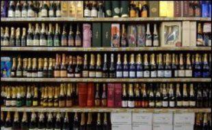 - La France a battu en 2006 son record d'exportations de vins et spiritueux, dopées par le champagne et le cognac, ses produits phares, et par l'accélération des ventes en Asie et en Amérique du nord.