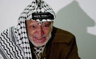 Yasser Arafat, décédé en 2004, aurait été empoisonné au polonium, une substance radioactive, selon les conclusions d'analyses effectuées dans un laboratoire en Suisse et citées dans un documentaire diffusé mardi par Al-Jazeera.