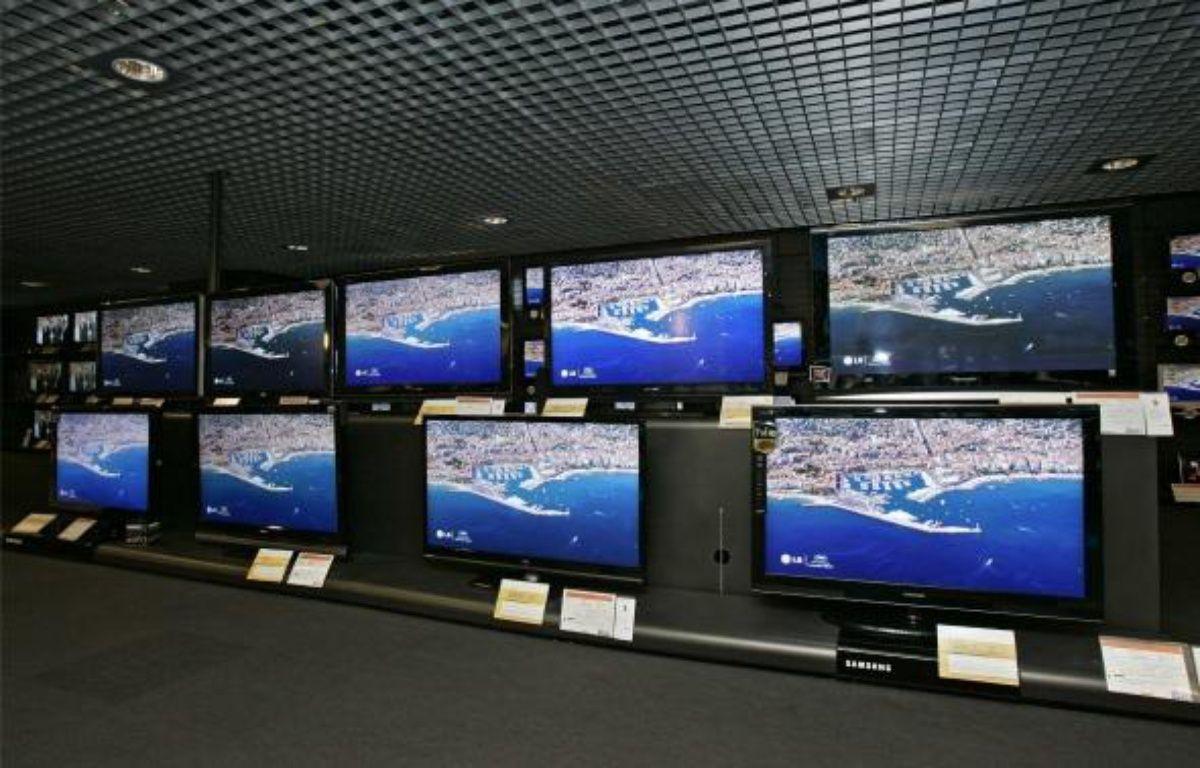 Téléviseurs à ecran plat, à Paris, le 5 novembre 2008.  – LYDIE / SIPA