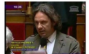 Capture d'écran de la retransmission des débats du 4 mai sur Hadopi. Ici, l'intervention de Frédéric Lefebvre, porte-parole et député UMP, à l'Assemblée nationale.