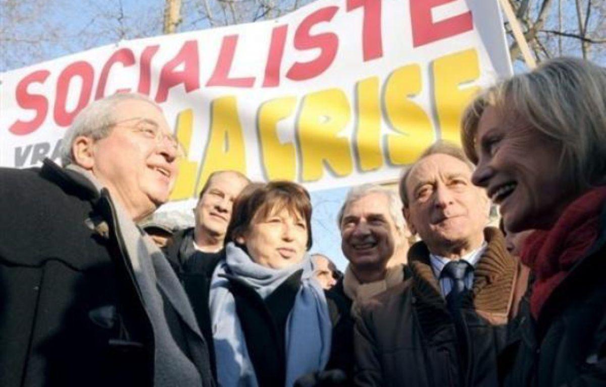 Le PS était partout présents dans ou le long des cortèges, comme à Paris autour de la première secrétaire Martine Aubry. – Boris Horvat AFP